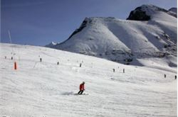 Damaged ski lifts 'should be open on Boxing Day'