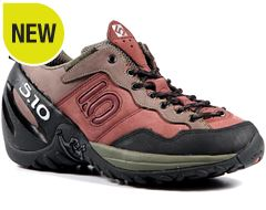 Camp Four Women's Approach Shoe