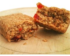 Bakewell Flapjack (120g)