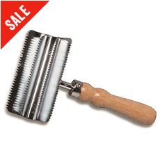 Small Metal Curry Comb