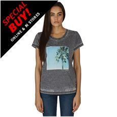 Women's Poised T-Shirt